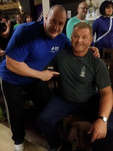 Sergej mit dem 3-fachen IPF Weltmeister im Powerlifting Hans Zerhoch