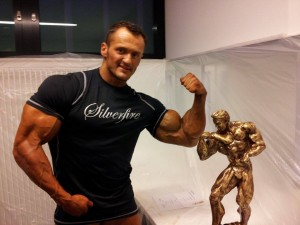 Der neue Deutsche Meister im Bodybuilding des NAC des heißt Alexej Kauz  ( Foto: BMS Archiv, Sergej Moser)