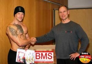 Jeder Teilnehmer bekam eine Präsent-Tüte von BMS überreicht, hier Denny Rippler